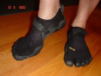 My Shreky feet - Vibram Fivefingers KSO